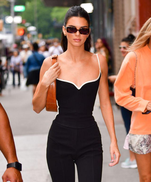kendell jenner met zonnebril op straat in new york