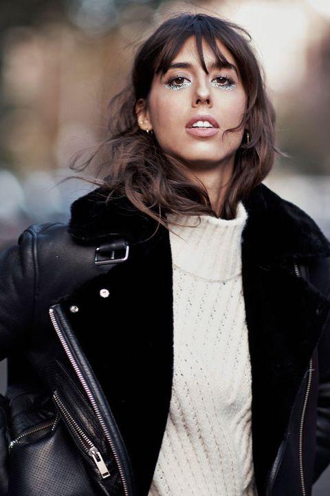 Hair, Hairstyle, Beauty, Black hair, Cheek, Lip, Brown hair, Long hair, Photography, Outerwear,