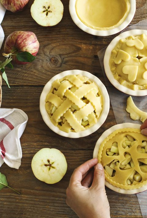 making a classic american apple pies