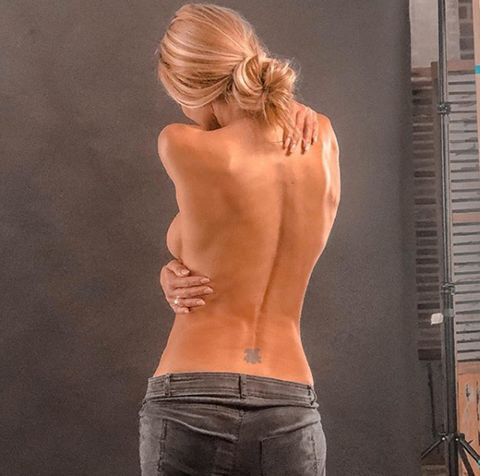 Back, Shoulder, Abdomen, Blond, Muscle, Stomach, Arm, Joint, Standing, Organ,