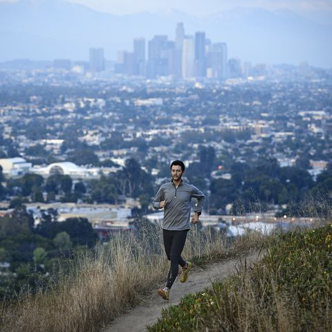 male trail runner
