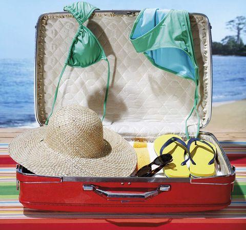 Maleta de viaje a la playa