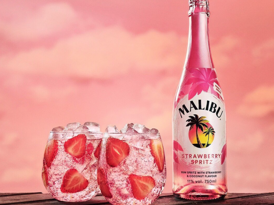 Malibu's Bottled Strawberry Spritz Is The Only Way To Celebrate The Last Days Before Fall