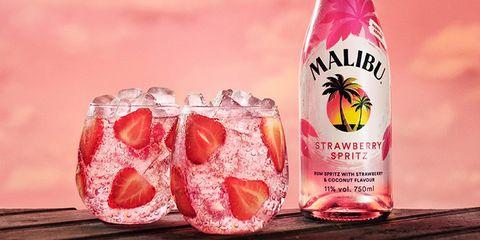 Drink, Pink, Food, Punch, Non-alcoholic beverage, Liqueur, Tinto de verano,