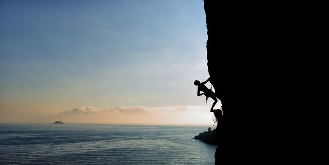 malta, arlapsi, rock climber in the evening