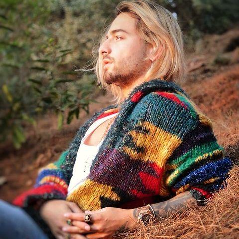 Wool, Knitting, Sweater, Outerwear, Beard, Photography, Textile, Facial hair,
