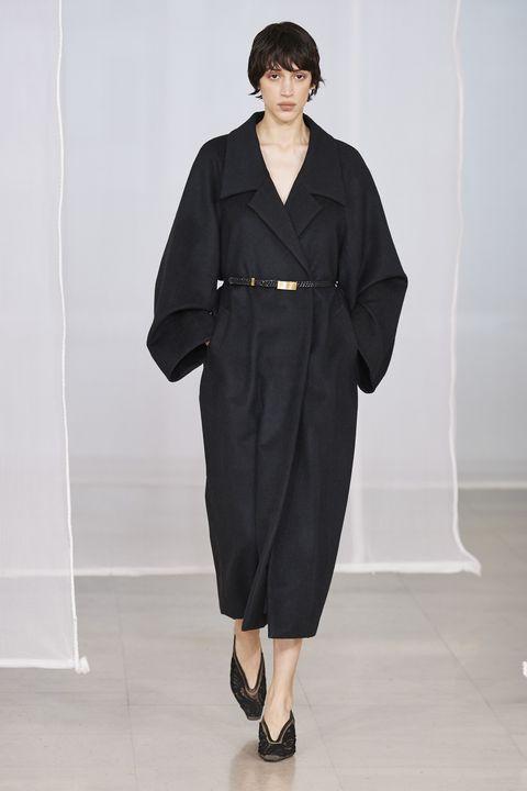 Clothing, Fashion, Runway, Fashion show, Fashion model, Haute couture, Outerwear, Dress, Neck, Robe,