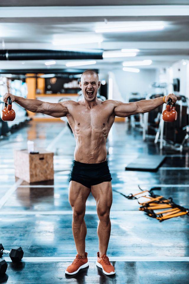entrenamiento con pesas rusas