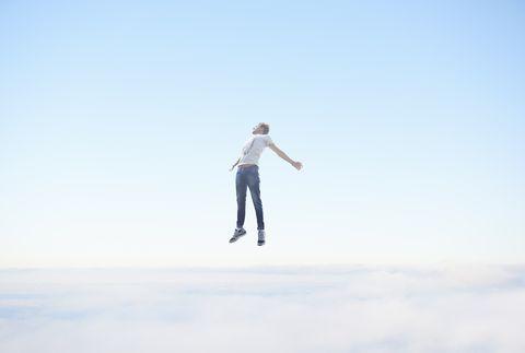 【劉軒專欄】天上總會有雲,但你才是天空