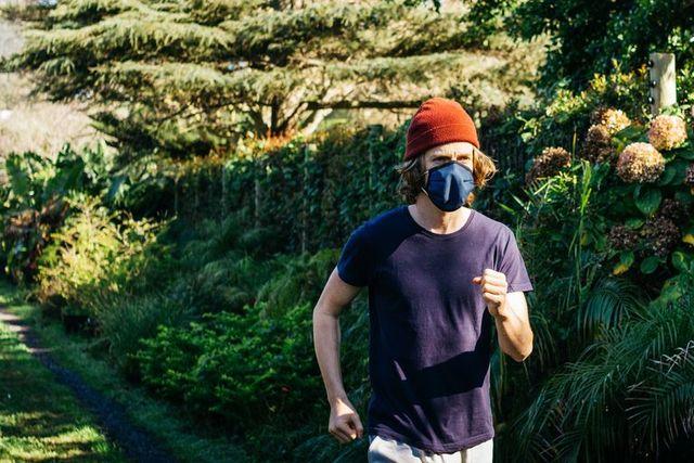スポーツマスクの選び方とおすすめ7選【通気性・ズレにくさ・速乾性で運動時も快適に】