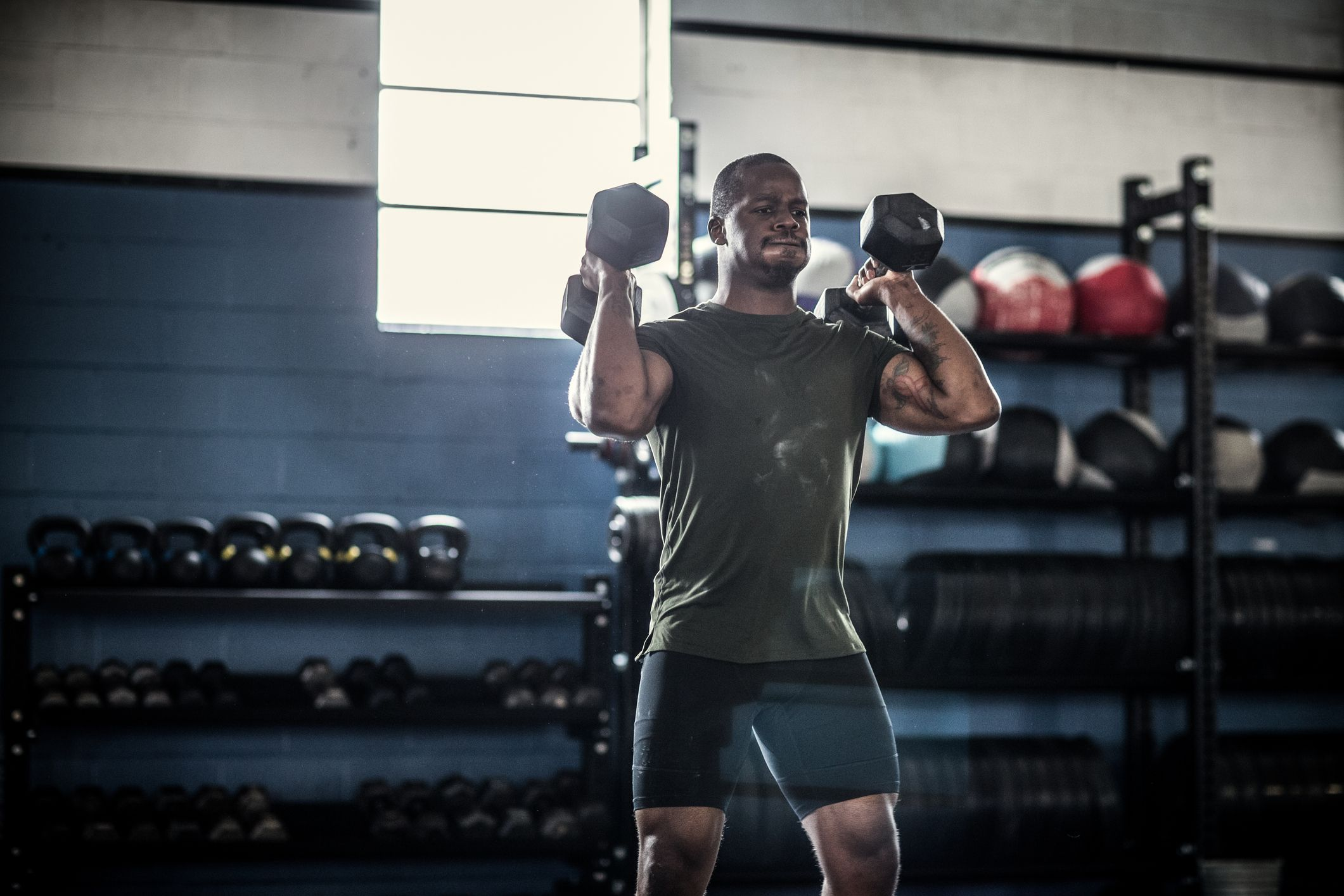 Try This Total Body Muscle Building Dumbbell Workout Program