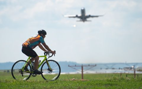 Best Airlines for Cyclists | Flying With a Bike