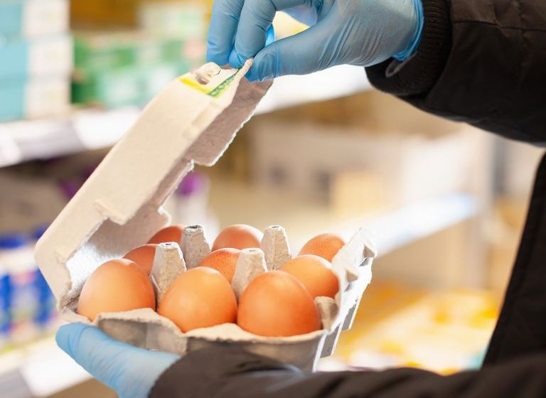 You Shouldn't Be Wearing Gloves to Go Grocery Shopping