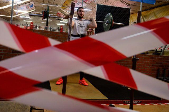 las medidas de control del coronavirus han provocado el cierre de algunos gimnasios en españa
