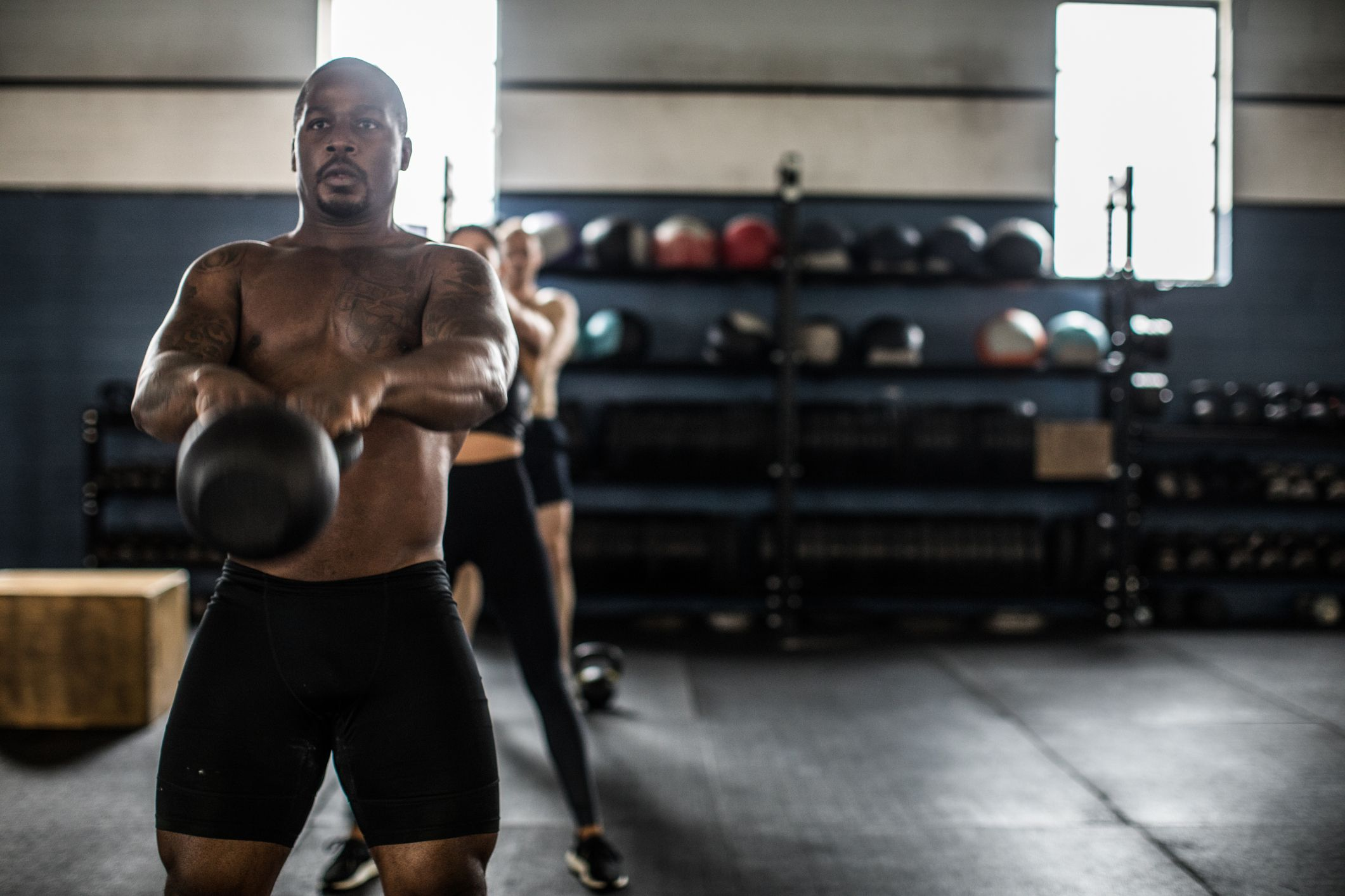 Short on Time? This 15-Minute Kettlebell Fat Burner Builds a Solid Six-Pack Fast