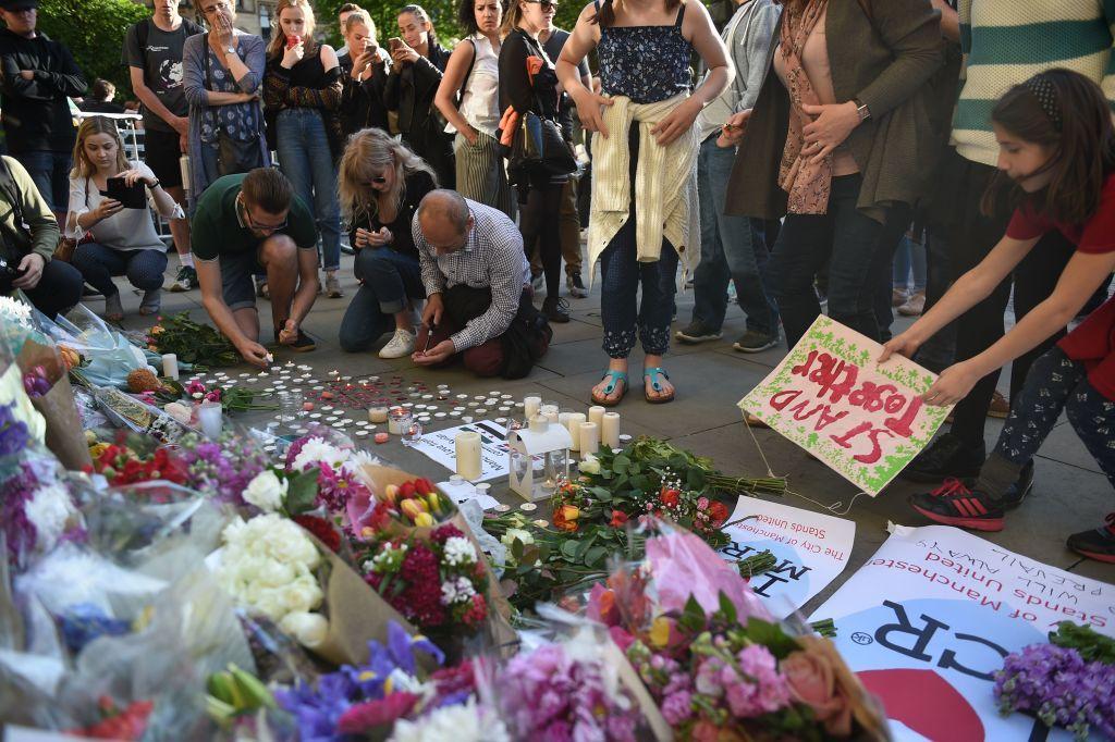 Manchester attack vigil