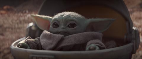 The Mandalorian episode 2: Baby Yoda using The Force