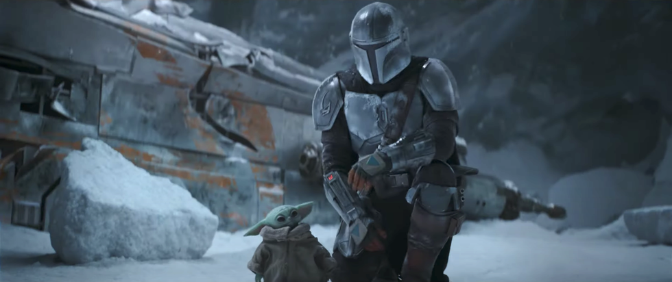 This <em>Star Wars</em> Theory Suggests the Mandalorian Is About to Get a Lightsaber thumbnail