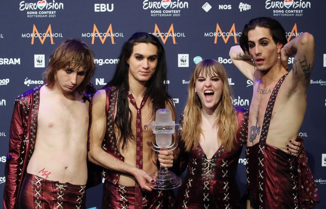 rotterdam, netherlands   may 23, 2021 thomas raggi, ethan torchio, victoria de angelis and damiano david l r of the maneskin rock band representing italy, the winners of the 2021 eurovision song contest final, pose with the trophy during a news conference at the rotterdam ahoy arena vyacheslav prokofyevtass photo by vyacheslav prokofyev\tass via getty images