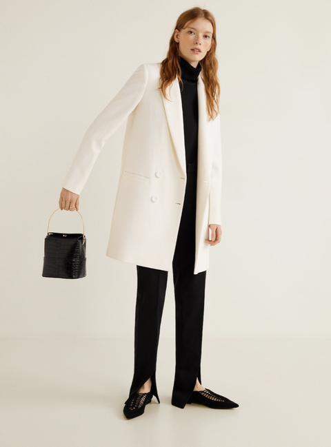 Clothing, Coat, White, Overcoat, Outerwear, White coat, Formal wear, Trench coat, Duster, Uniform,