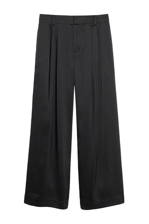 Clothing, Black, Sportswear, Active shorts, Shorts, Trousers, Pocket,