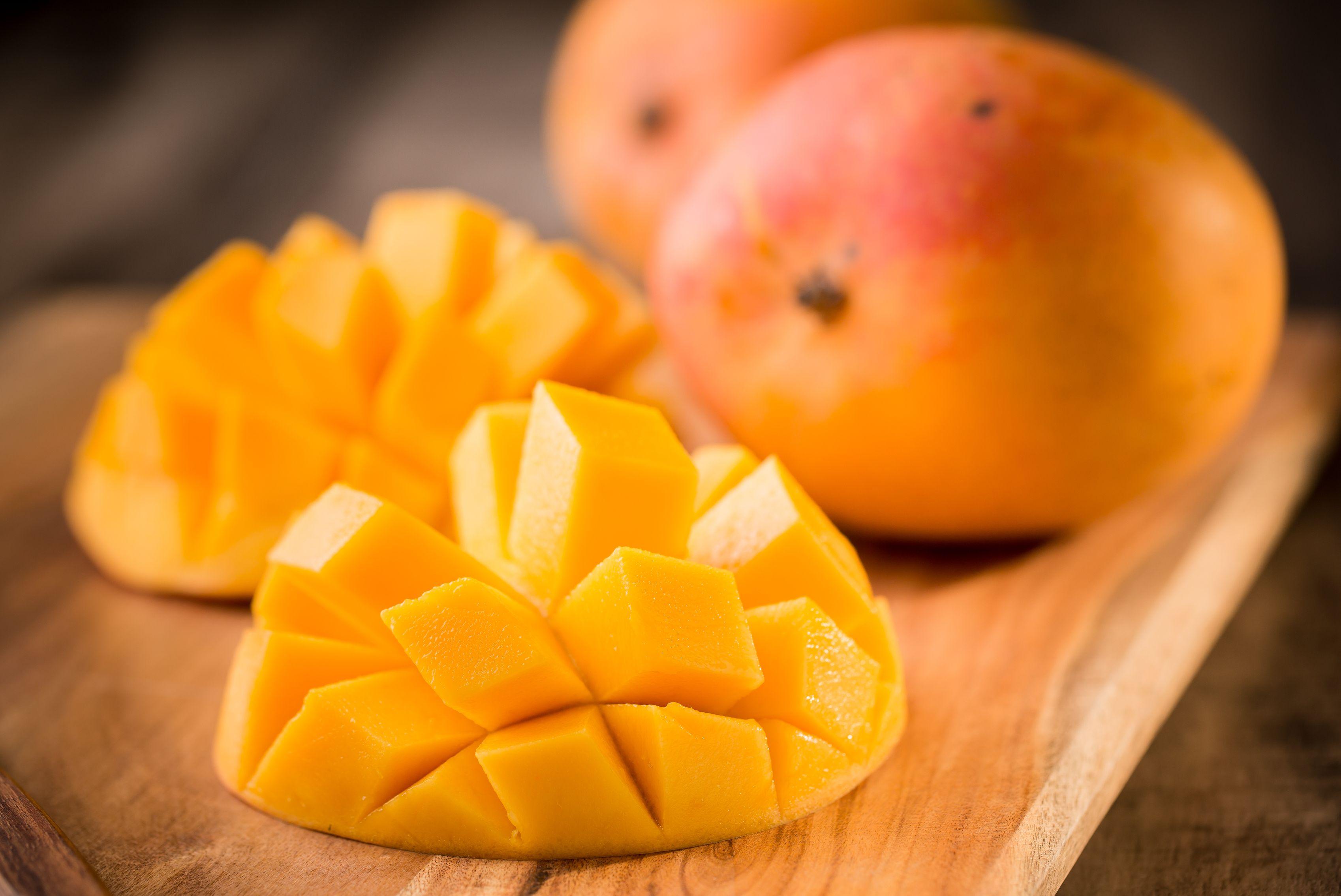 mango healthy carbs