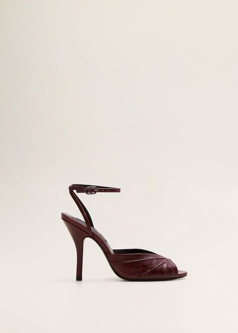 Footwear, Shoe, Slingback, High heels, Sandal, Leather, Basic pump, Still life photography,