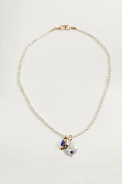 Jewellery, Necklace, Body jewelry, Fashion accessory, Pendant, Chain, Locket, Bracelet, Silver, Gemstone,