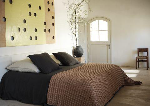 mango laza casa, una colección con textiles sostenibles de inspiración mediterránea