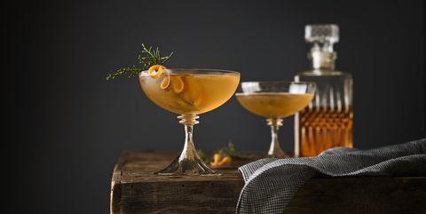 juniper manhattan cocktails whisky