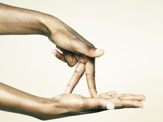 Mani rosse e gonfie? Scopri le cause e curale così