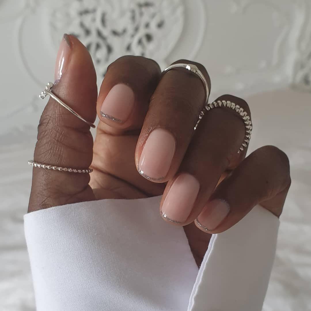 Manicura francesa 'glitter': las uñas más elegantes del verano