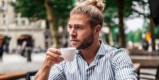 instagram-hit-hete-mannen-met-koffie