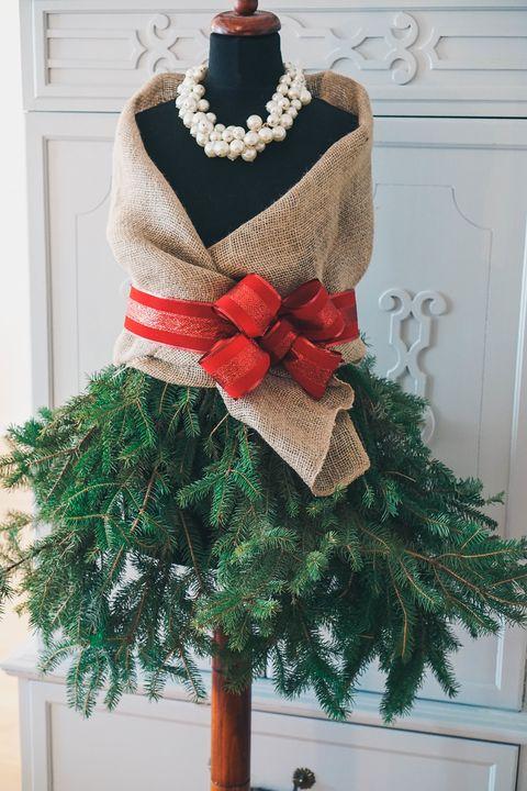 mannequin alternative christmas tree