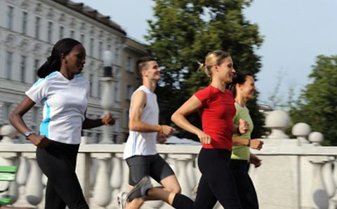 Why Fast Male Distance Runners Get All the Ladies