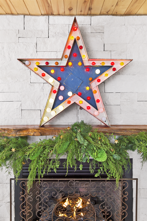 mantel christmas garland - How To Decorate A Christmas Garland