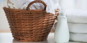 Máquina para planchar, doblar y perfumar ropa