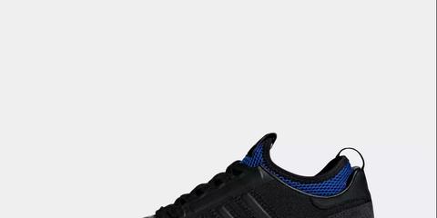 Shoe, Footwear, Outdoor shoe, Sneakers, Sportswear, White, Black, Walking shoe, Running shoe, Athletic shoe,