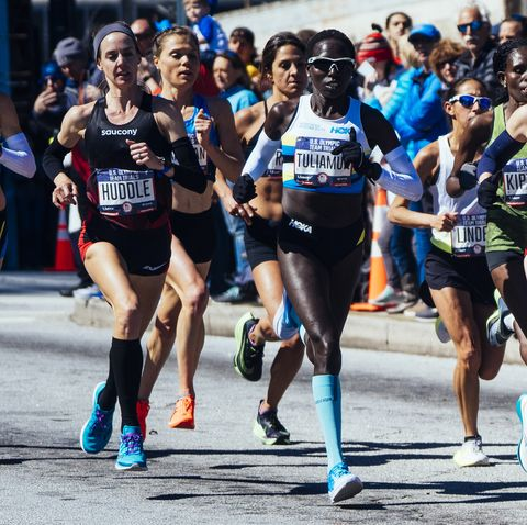 Molly Huddle women's pack of runners in the Olympic Marathon Trials in Atlanta in 2020.
