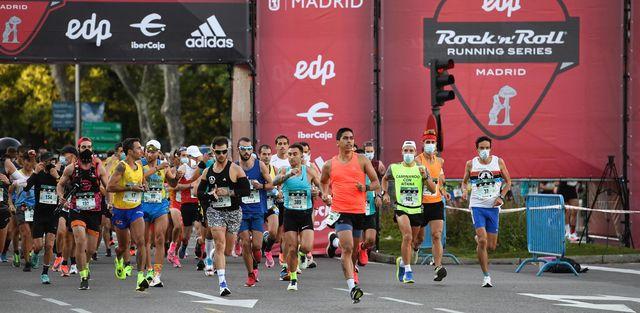 aproximadamente 30000 corredores han participado en el maratón de madrid