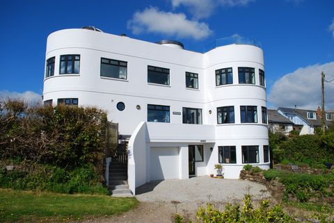 Art Deco-style house in Marazion, Cornwall, for sale