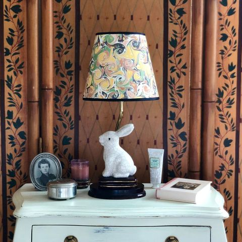 make any lamp shade look totally high end with this easy diy