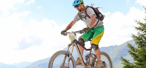 Land vehicle, Cycling, Cycle sport, Bicycle, Vehicle, Sports, Mountain biking, Downhill mountain biking, Mountain bike, Mountain bike racing,