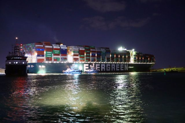 egypt suez canal stuck container ship salvage