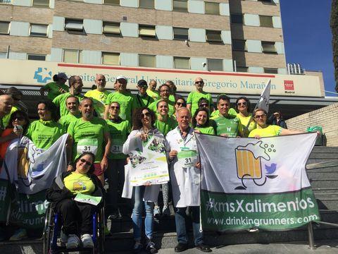 Los Drinking Runners apoyando la carrera contra el cáncer de Madrid