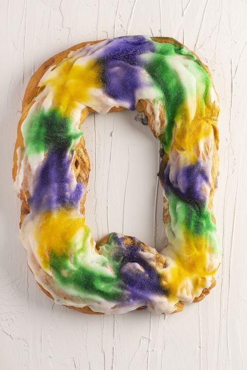mardi gras traditions king cake
