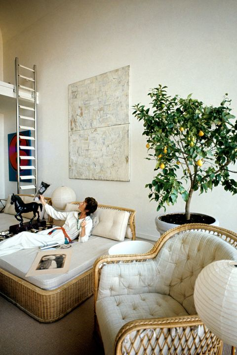 marella agnelli wicker living room