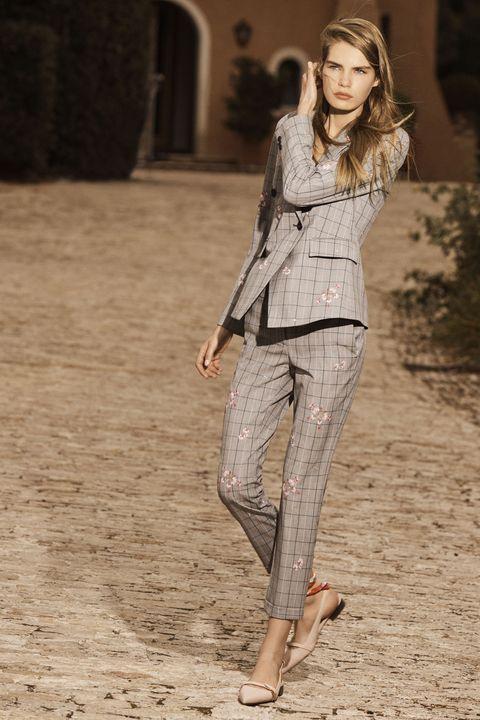 Fashion model, Clothing, Fashion, Street fashion, Jeans, Beauty, Leg, Waist, Beige, Outerwear,