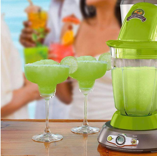 Drink, Green, Distilled beverage, Alcoholic beverage, Liqueur, Cocktail, Non-alcoholic beverage, Juice, Cocktail garnish, Juicer,