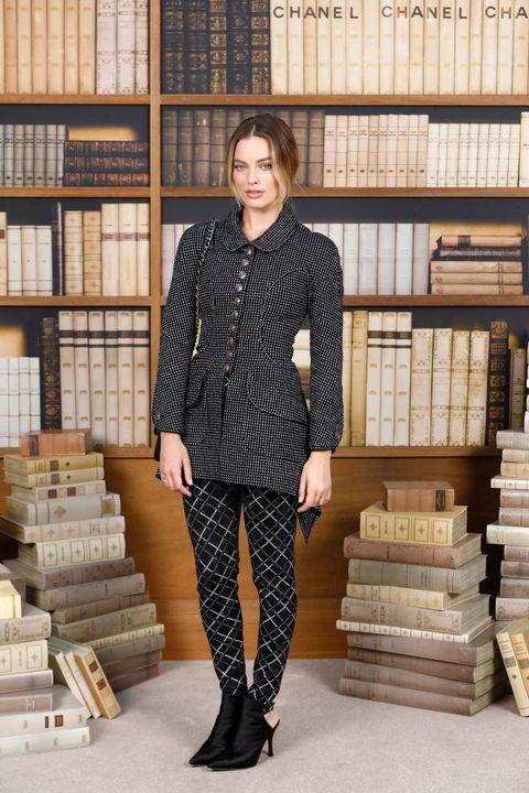 Chanel : Photocall - Paris Fashion Week - Haute Couture Fall Winter 2020